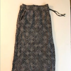 Patterned flared capris length gaucho pants